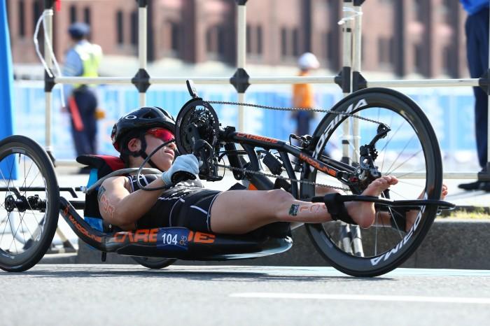 バイクは39分01秒の好タイム。「横浜の地で沿道の皆さんの応援が力になった」 写真・内田和稔