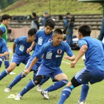 アップをする知的障がい者サッカー日本代表選手たち