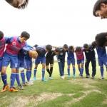 試合前に円陣を組む知的障がい者サッカー日本代表