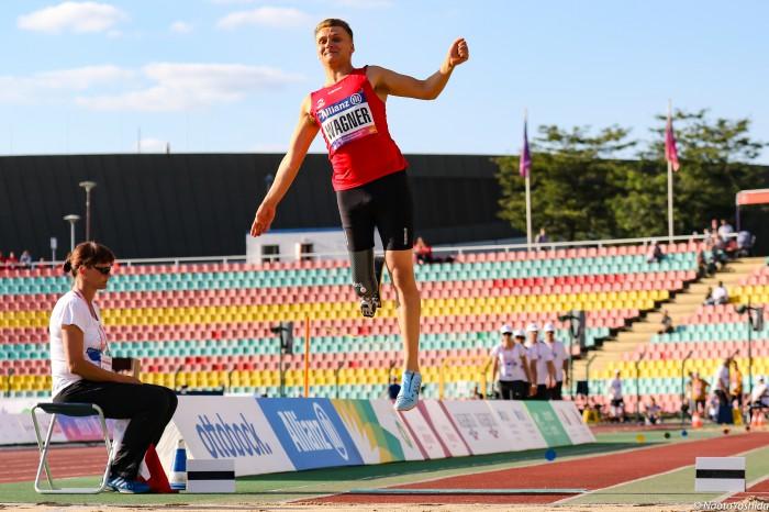 ヨルゲンセンの跳躍。ハイアベレージの記録を並べた  Jorgensen's jumps marked high average