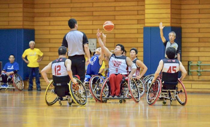 「High8選手権大会 関東ブロック予選会」川崎Wheelchair Sports Club対群馬マジックのティップオフ