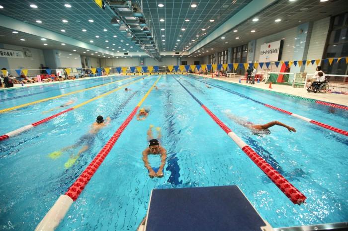 水泳日本代表チームのJISS(国立スポーツ科学センター)での合宿が始まった (写真・内田和稔)