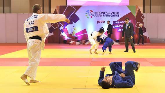 準決勝での藤本。相手のカザフスタンのTURUMBETOV AZAMAに対しては、「やりにくい相手だと感じた」という 写真・山下元気[/caption]