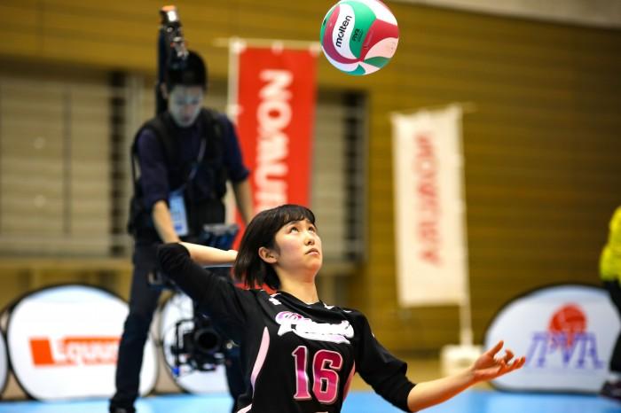 女子優勝の『千葉パイレーツ』。16番・波田みかは女子MVPを受賞。