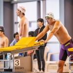 50メートルバタフライS9のスタート前。奥側・山田拓朗(NTTドコモ)、手前・久保大樹(ケービーエスクボタ) 写真提供:日本身体障がい者水泳連盟