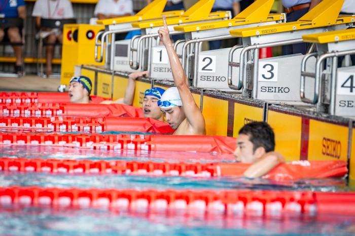 200M個人メドレーS14を泳ぎ終えたの選手たち 写真提供:日本身体障がい者水泳連盟