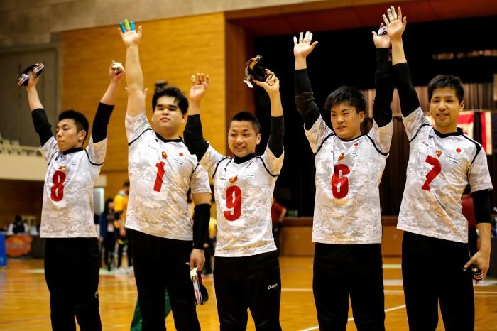 オーストラリアを破り3位に入った日本代表B。左から金子和也(B3)、信澤用秀(B1)、川嶋悠太(B2)、佐野優人(B3)、小林裕史(B3)