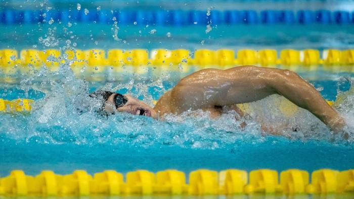 200メートル個人メドレー S11を泳ぐ木村敬一(全盲/東京ガス) 写真・秋冨哲生