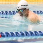 50メートル平泳ぎSB3を泳ぐ鈴木孝幸 写真・吉村もと