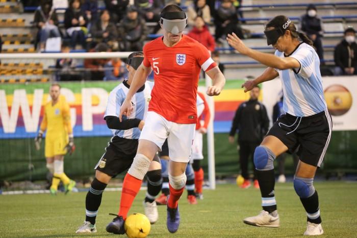 イングランド守備の要、ダニエル・イングリッシュ。今大会では6得点を挙げ、得点王にも輝いた (写真・内田和稔)