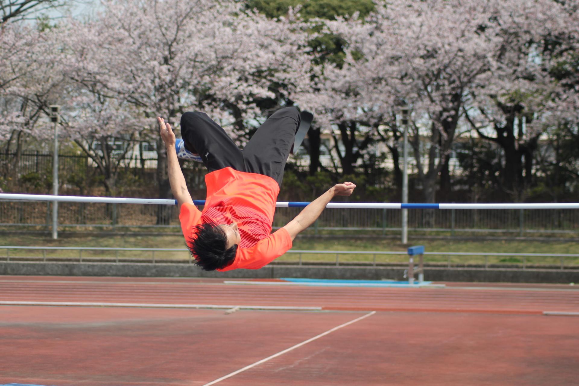 義足の高飛び2メートルジャンパー・鈴木徹の背面跳び