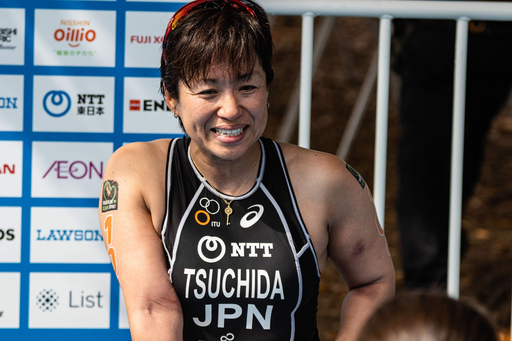 レース後の取材をうける土田和歌子(八千代工業) 写真・木田光重