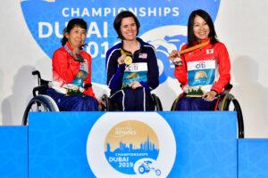 女子100mT52 の表彰式。優勝はアメリカのモーガン・ケリー(MORGAN Kerry) 写真・IPC Athletic Official Photo