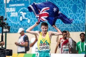 11月7日、男子1500m T12/13で、強豪ロシア勢や前回チャンピオンを制して優勝、自身の記録を塗り替えるワールドレコードを樹立した、ジャリド・クリフォード(CLIFFORD Jaryd/T12・AUS)。競技を終えた笑顔 写真・吉田直人