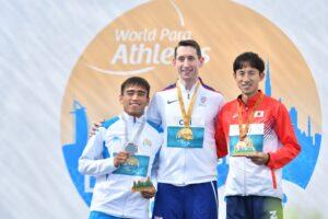 男子走り幅跳びで 1m92cm 3位 銅メダル。表彰式 写真・安藤理智