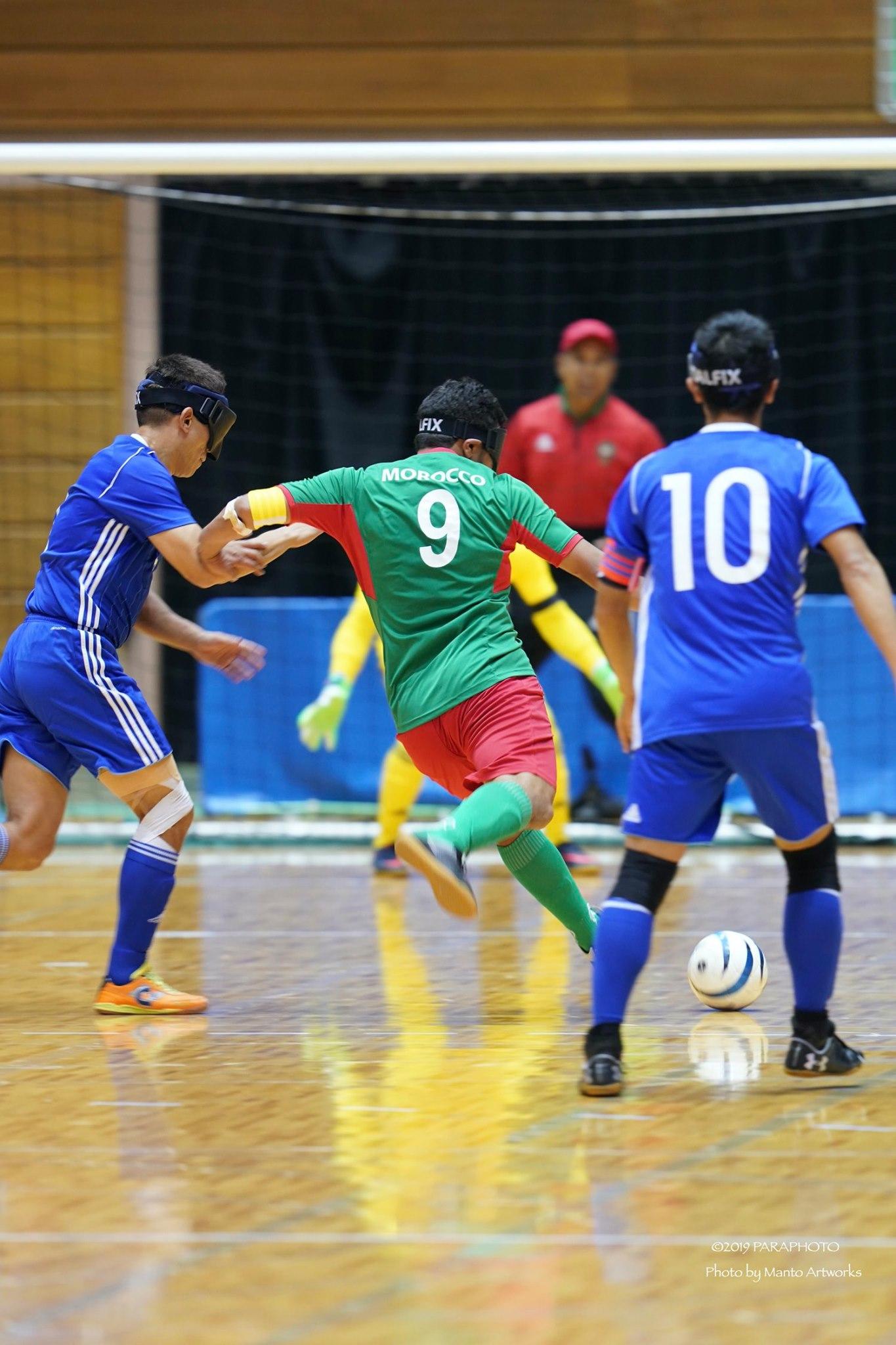 ブラインドサッカーのカラー写真