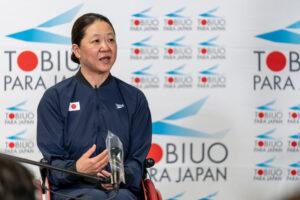 6月5日、パラ水泳日本代表推薦決定選手インタビューで話す成田真由美(横浜サクラ) 写真・秋冨哲生