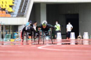 100mT54を走る生馬知季 写真提供 写真提供・日本パラ陸上競技連盟/小山哲矢