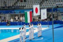 パラレコードで優勝。鈴木が日本第一号の金メダル!