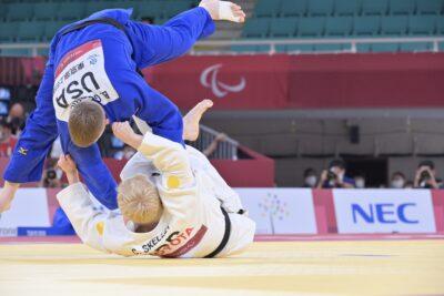 男子100kg級 決勝戦の様子 写真・山下元気